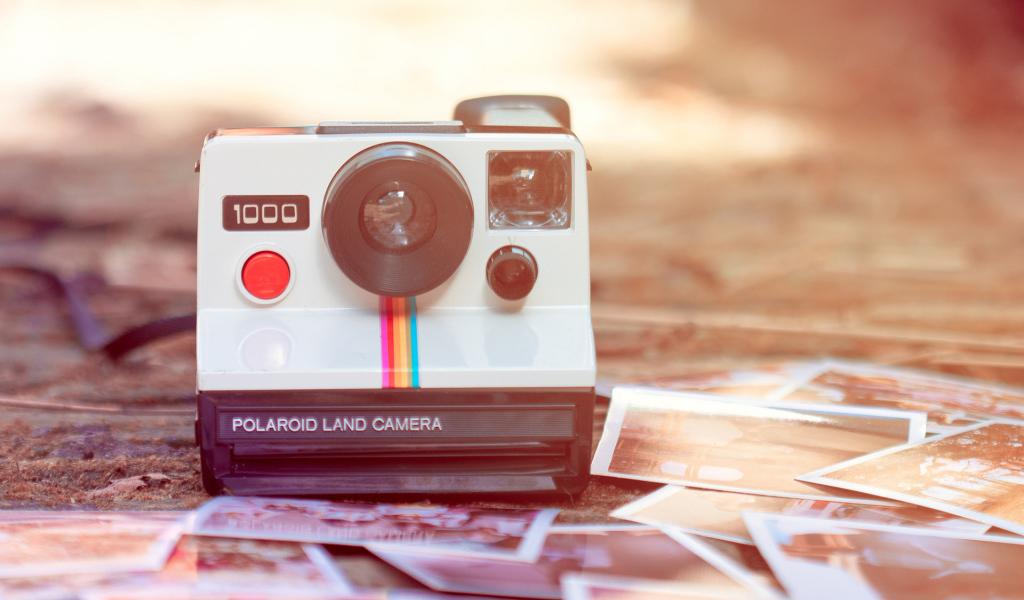 Brands_____Retro_Polaroid_camera_086904_27